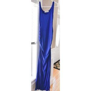 Sleeveless form fitting maternity maxi dress